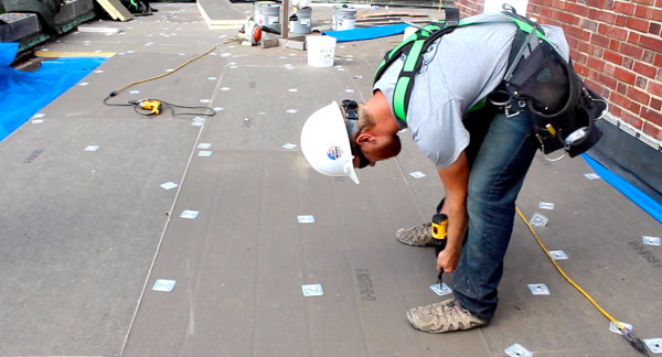 5 Tips for Installing Polyiso Commercial Roofing Insulation