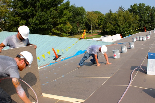 Flat Roof Repair- 8 Strategies To Cut Cost Without Cutting Corners
