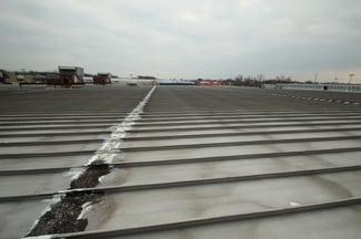 flat_metal_roof_caulking