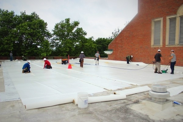flat roof overlay with white membrane.jpg