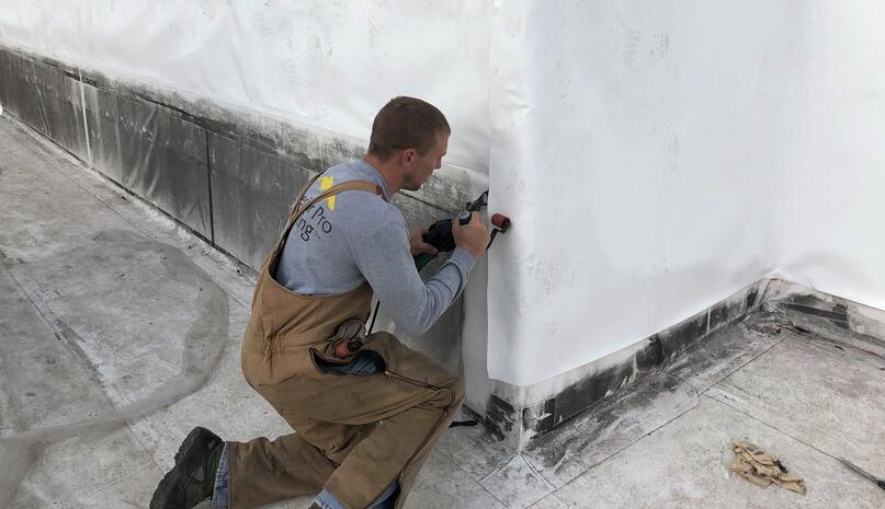 Flat Roof Welding Repair-ElmPike-255001-edited