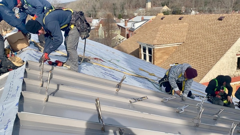 238 T metal Roof Panel Installation-1