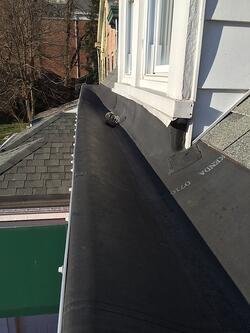 leaking_rubber_box_gutters