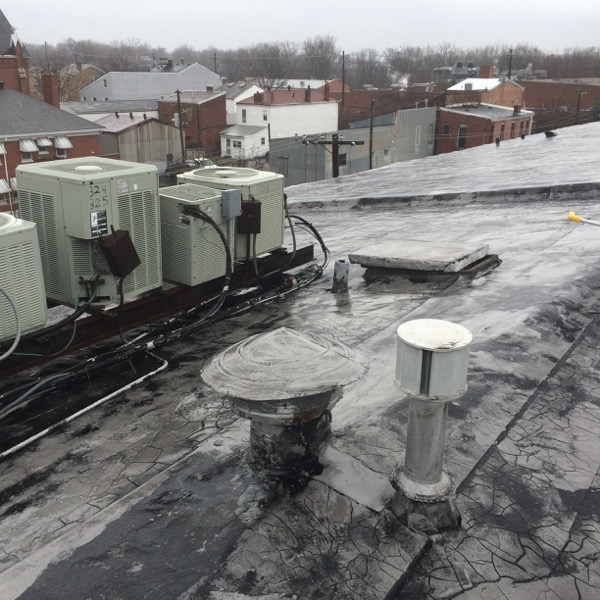 Blistering and Alligatoring on Flat Roofs: Causes and How to Fix It